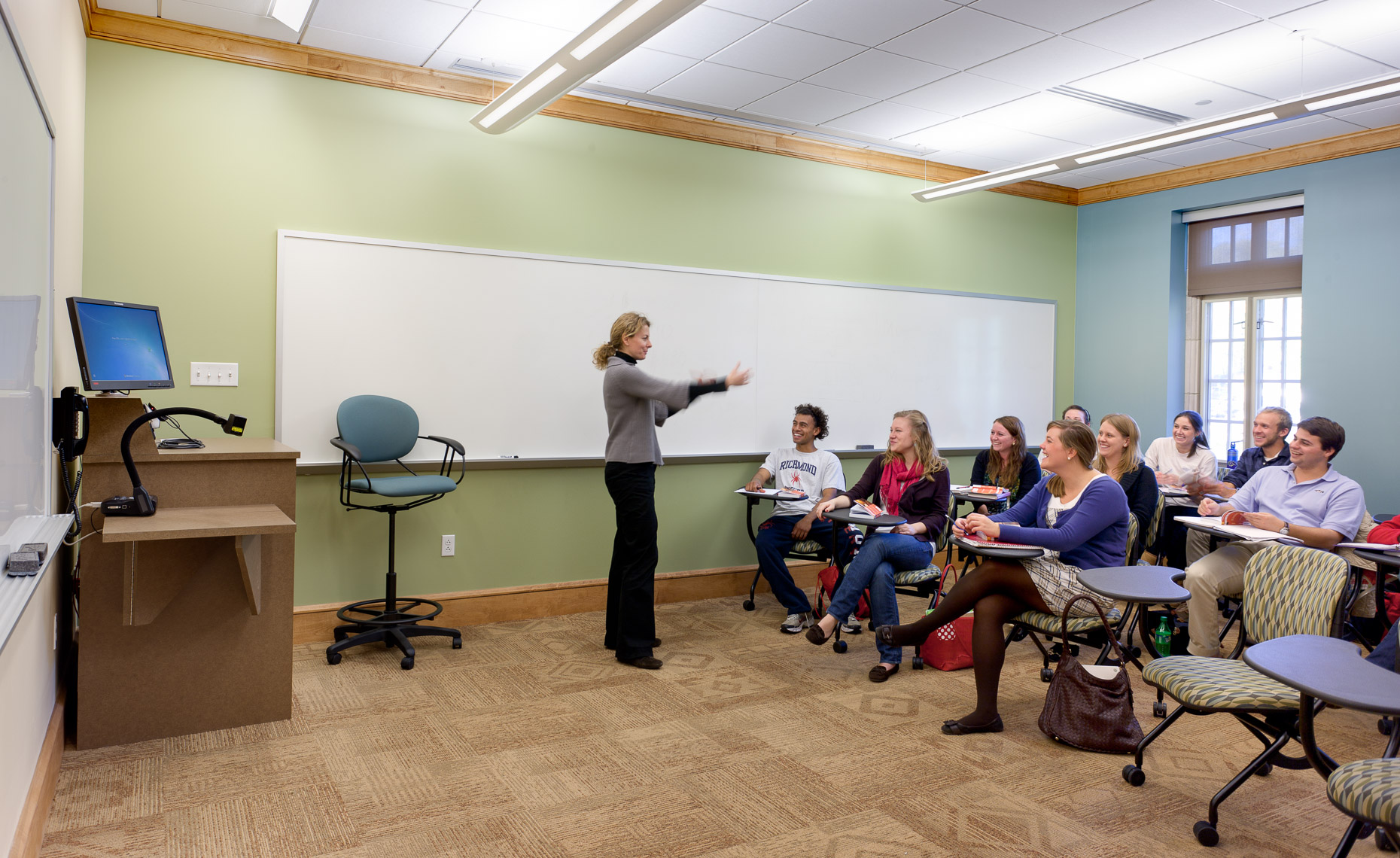 Virginia Hamrick Photography - Classroom University of Richmond International Center - Academia