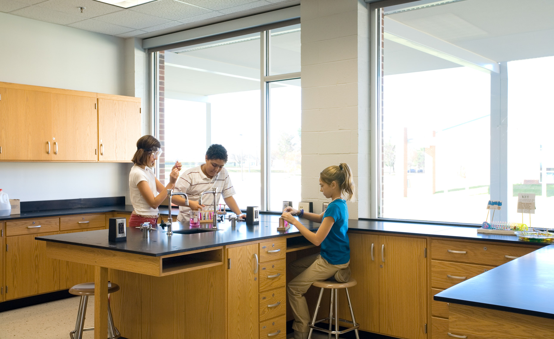 Virginia Hamrick Photography - Middle School Science Classroom