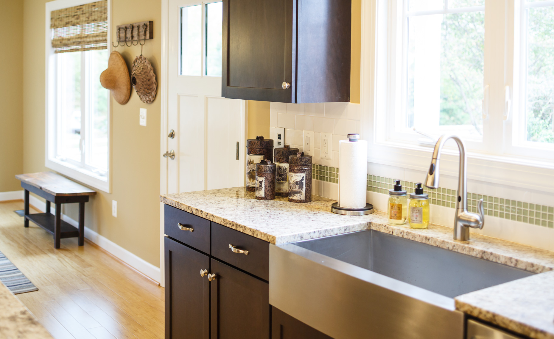 Virginia Hamrick Photography - Kitchen Farmhouse Sink -  Residential